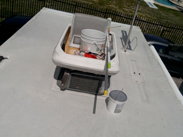 How to Apply RV Roof Sealant